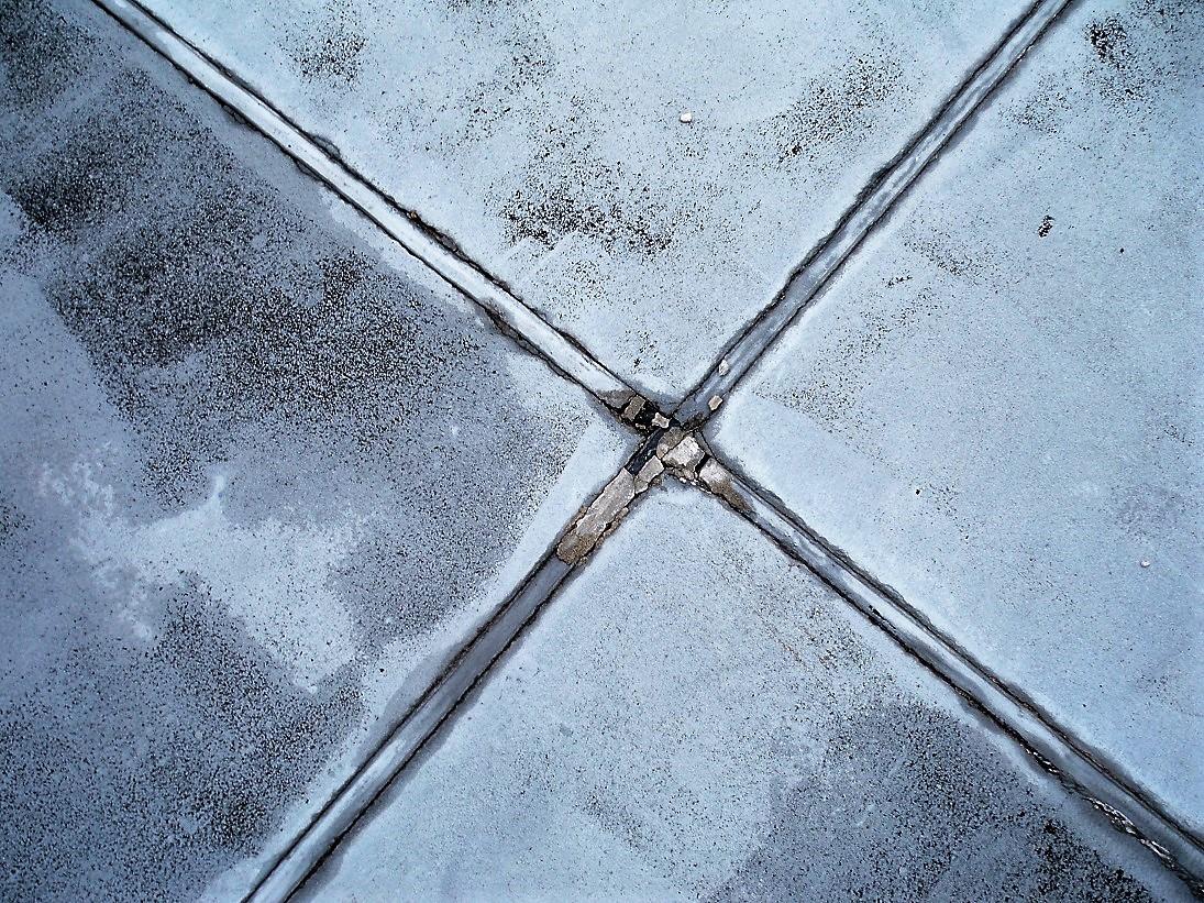 雨漏り 屋根 コーキング 劣化